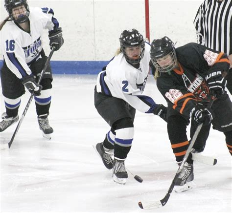 Mba Hockey by Fall To 1 9 With Loss To Marshall