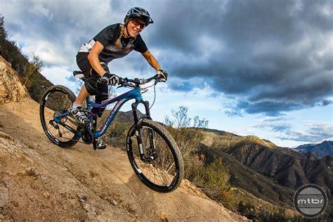 hot female mountain bikers former dh world ch leigh donovan launches ichoosebikes