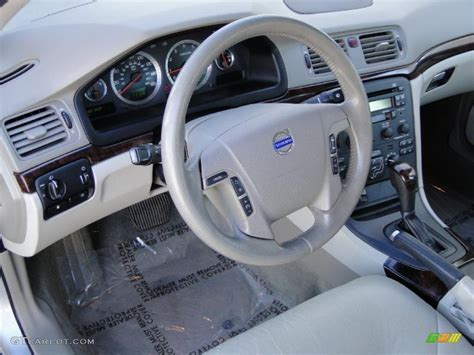Volvo S80 2004 Interior by Light Taupe Interior 2004 Volvo S80 2 9 Photo 39024235