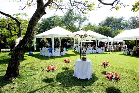 187 Creative Outdoor Wedding Venues That Will Not Break The Backyard Wedding Reception Ideas