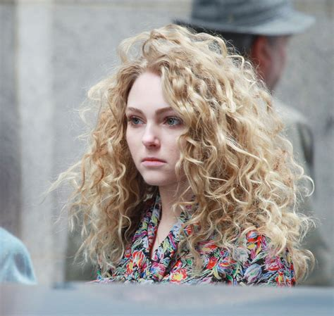 carrie diaries hairstyles more pics of annasophia robb long curls 52 of 58