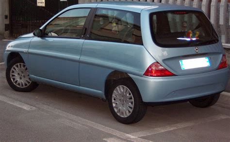 file lancia y10 jpg wikimedia commons