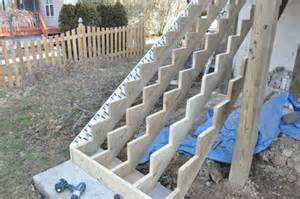 Spacing For Handrail Brackets How To Build A Deck With 120 Pics Diagrams Pro Tips
