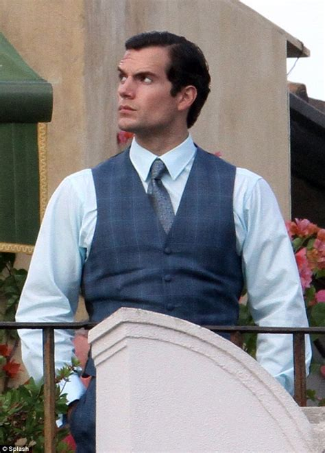 Humm3r Napoleon Blue henry cavill looks suave in look at the from u n
