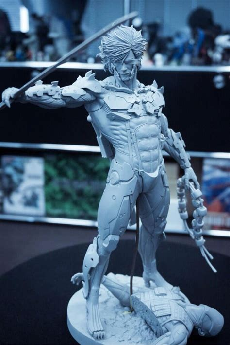 Raiden White Statue By Gecco object moved
