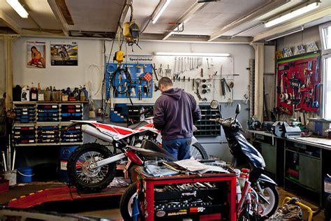 Motorrad Reifen Werkstatt by Ihre Motorradwerkstatt In Lohr Motorrad Hutzel