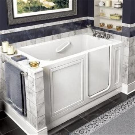 Best Walk In Bathtub by 25 Best Ideas About Walk In Tubs On Tubs Of