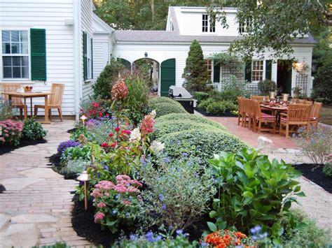 30 Diy Outdoor Party Ideas And Entertaining Tips Diy Backyard Entertaining Landscape Ideas
