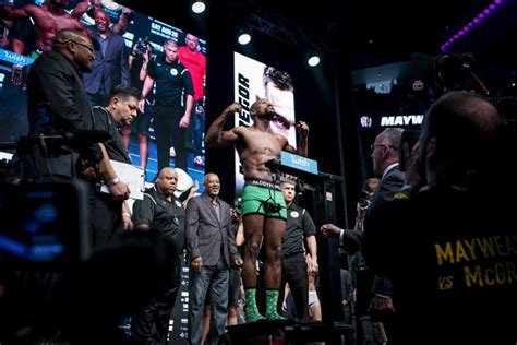 100 free floyd mayweather jr vs conor mcgregor live photos mayweather mcgregor tense to at weigh