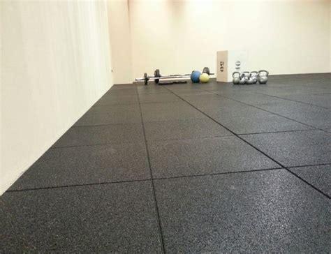 tappeto di gomma per palestra pavimento antitrauma tfloor per palestra e crossfit grana