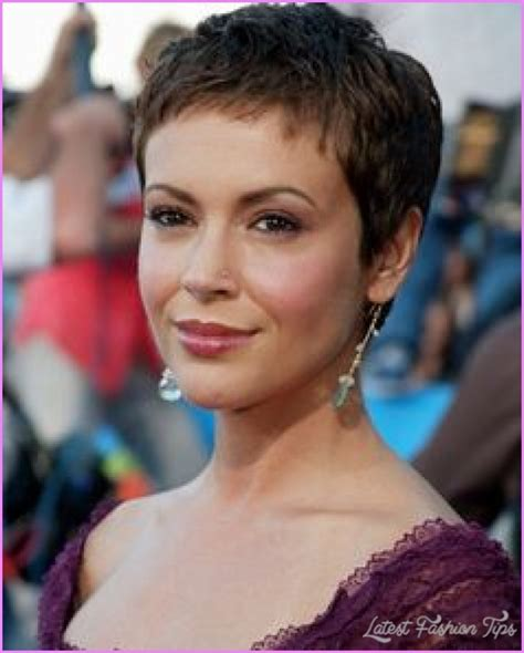 Alyssa milano pixie haircut   LatestFashionTips.com