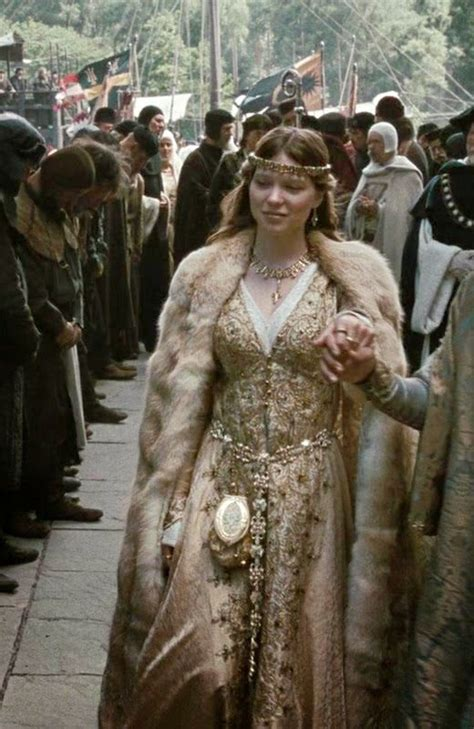 lea seydoux robin hood 25 best ideas about robin hood 2010 film on pinterest