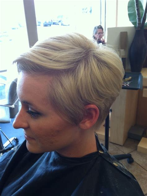 highlighting pixie hair at home partial highlight and pixie cut hair pinterest