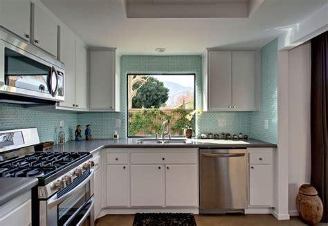 traditional kitchen cabinets with glass doors decobizz com 1000 images about susan jablon kitchen tile ideas on