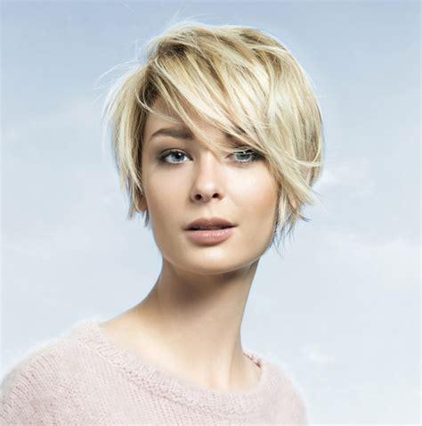 Stylische Frisuren pagenschnitt 54 trendige und stylische kurzhaarfrisuren