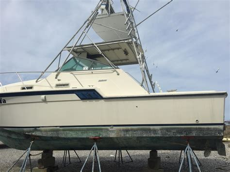 saltwater fishing boats for sale in nc 1983 used hatteras 32 express saltwater fishing boat for
