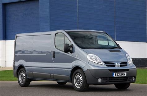does renault own nissan renault trafic panel low roof lwb 2001 car interior