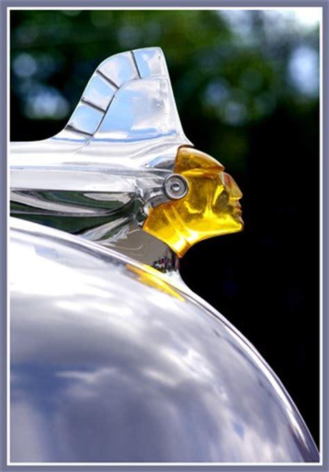 lighted pontiac hood ornament (1953?): ehdesigns