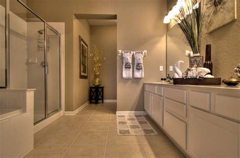 how big should a master bathroom be orlando condo