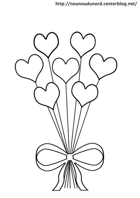 Coloriage Ballons en formes de Coeurs dessin gratuit à