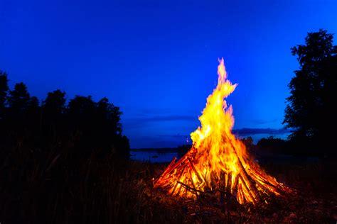 is it legal to have a bonfire in your backyard creating a bonfire massrobotics