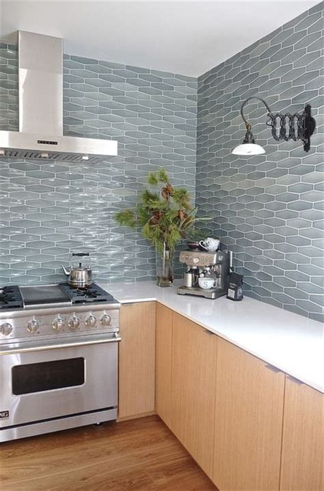 picture of ceramic tiles kitchen backsplashes that catch