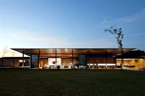 Minimalist Bed Frame Clad Single Storey House With A Flat Roof In Brazil In