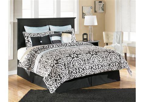 cassimore queen sleigh bedroom set unclaimed freight furniture unclaimed freight furniture pa nj maribel black