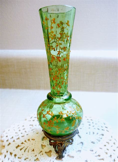 Antique Glass Vase Identification help to identify small antique glass vase collectors