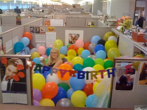 Birthday Decoration Ideas For Office Cubicles by 25 Best Ideas About Office Birthday Decorations On Office Birthday Cubicle