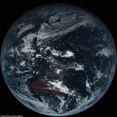 color of earth japanese weather satellite captures what earth really