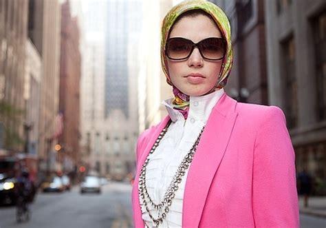 manfaat berjilbab bagi seorang wanita trend berjilbab modern bagi bussiness woman di jakarta