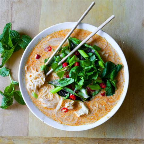 thai curry noodle soup with chicken the partial ingredients