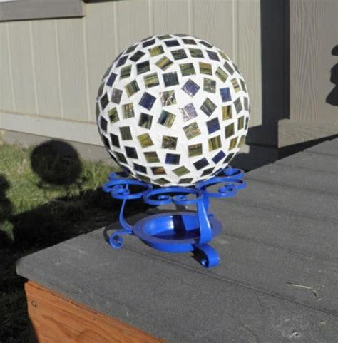Garden Decorating Bowling Balls by 20 Diy Summer Garden Decoration Ideas With Bowling Balls