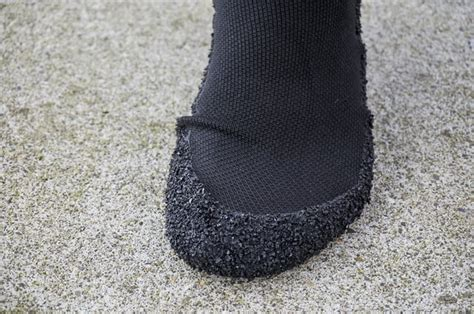 minimalist running socks skinners barefoot running socks review digital trends