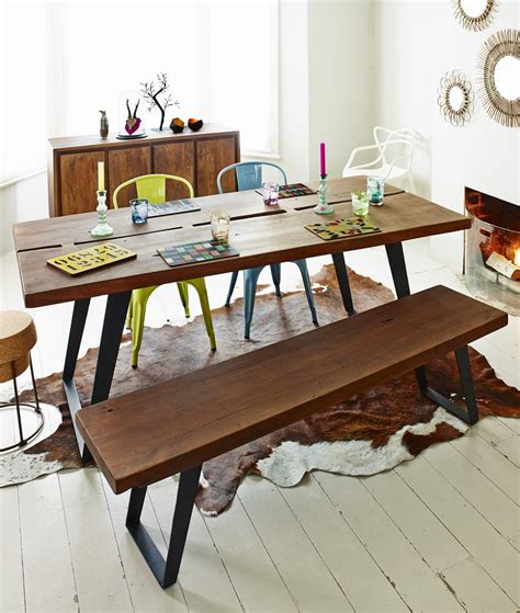 finds sustainable dining table homegirl