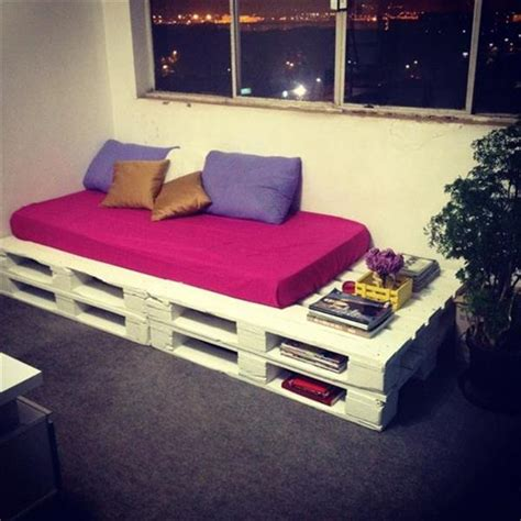 Pallet Sofa Bed by 15 Ways To Use Pallets For Furniture 99 Pallets