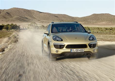 off road porsche porsche cayenne wins off road award 2012 porschebahn