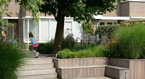Tuin Met Hoogteverschil by Achtertuin Met Hoogteverschil En Spiegelvijver Rodenburg