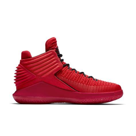 Sepatu Basket Air 32 High Rosso Corsa air 11 rosso december