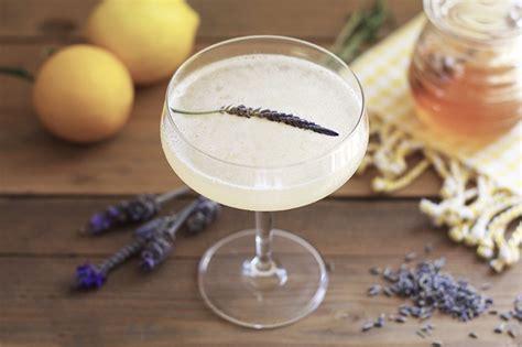 lavender cocktail lavender bee s knees honestlyyum
