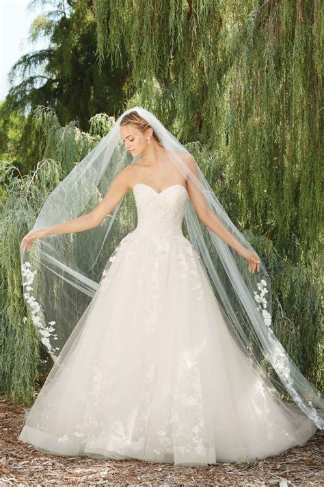 19 best Casablanca Bridal Veils images on Pinterest