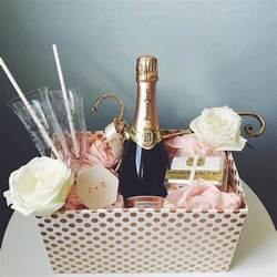 bridal shower gift ideas from bridesmaids best 25 bridal gift baskets ideas on