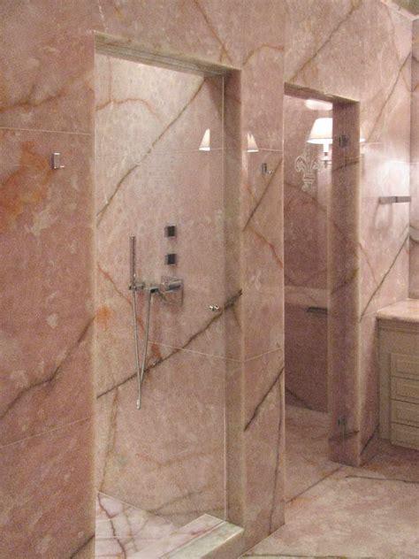 bagno rosa bagno coco chanel sala da bagno realizzata in onice rosa