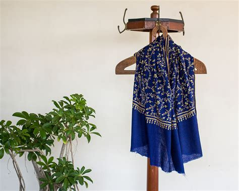 Pashmina Arabia Limited pashmina wool scarf blue paisley embroidery kop 225 i paar indian craft store