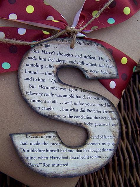 harry potter gift wrapping ideas 20 cool diy cardboard letters hative