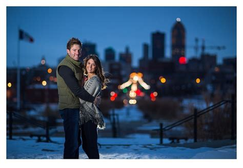 Laura   Justin Mini Winter Engagement Session   Des Moines