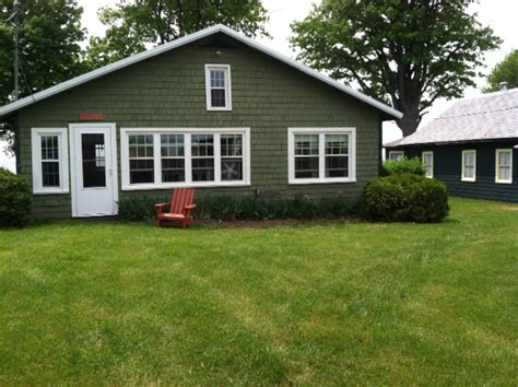 cottage colors choosing a paint color for the cottage your home color