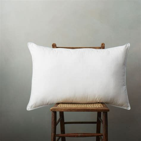 Pillows For Side Sleepers by Top 5 Pillows For Side Sleepers Soak Sleep