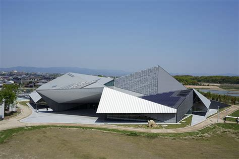 Origami Roof - kengo kuma s folding museum takes inspiration from